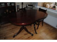 Extendable Mahogany Dining Table and 6 Chairs.