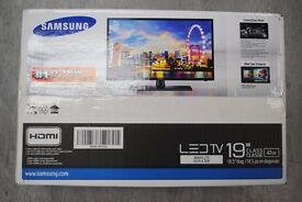 "Samsung Series 4 19"" LED TV Boxed £90"