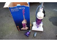 Tesco upright 1800w vacuum cleaner/hoover in good condition fully working