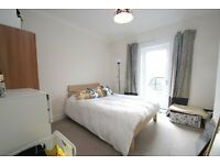 Excellent Value! Fantastic 1½ Bedroom flat! Great Location - East Hill SW18 - Near Station- Enquire!