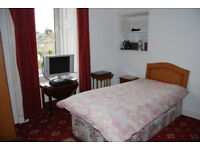 Room to let in Dalkeith centre £25 per night