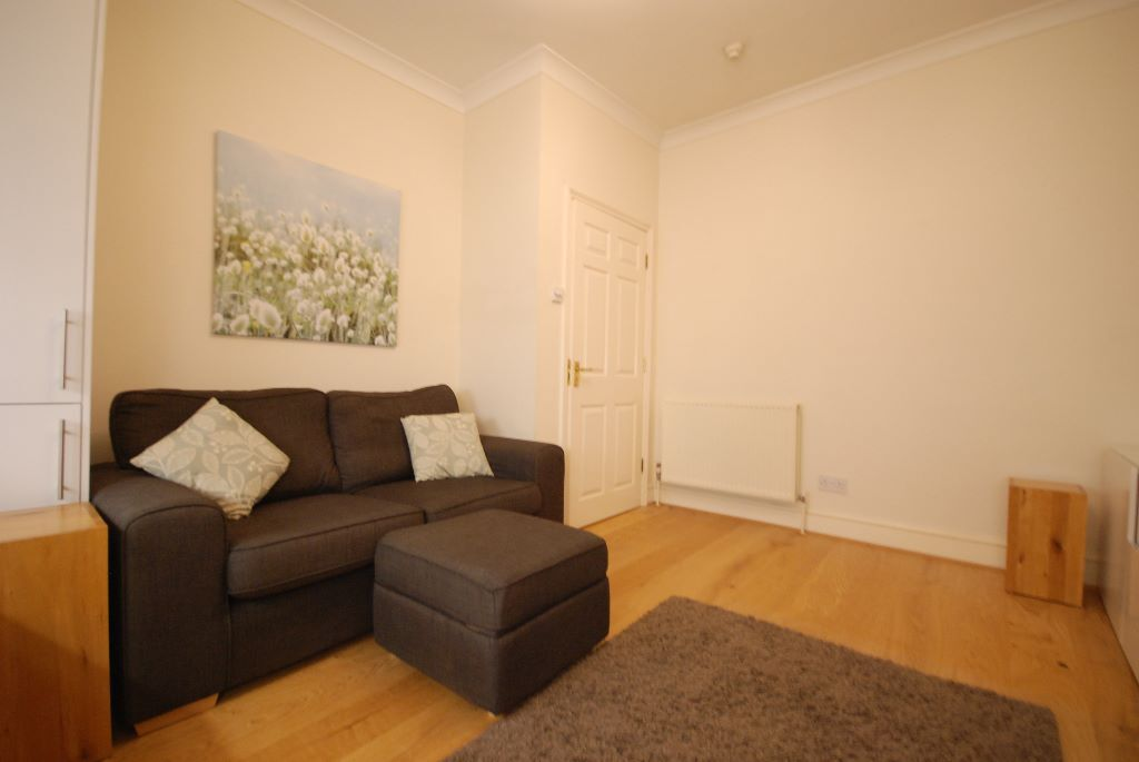 **Stunning 2 bed flat to rent**