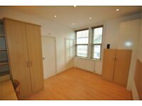 A newly refurbished studio flat with modern furnishings close to Finchley Central Tube Station