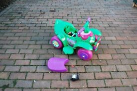 Childs motorised flower buggy (2-3 mph) Very good condition.