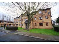 1 bedroom flat in Westfield Close, Enfield