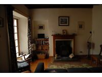 Beautiful Cottage with open fire, large garden, on the Union Canal, Ratho