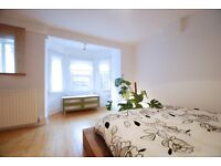 Horsell Road, one bed flat with patio garden located close to the tube