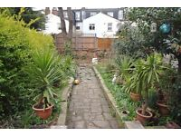 Spacious 1 bedroom apartment with private garden on Studley Road in the heart of Stockwell!