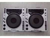 Pioneer CDJ-800 Pair of Decks £500