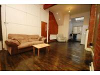 3 bedroom flat in Leswin Road, Stoke Newington