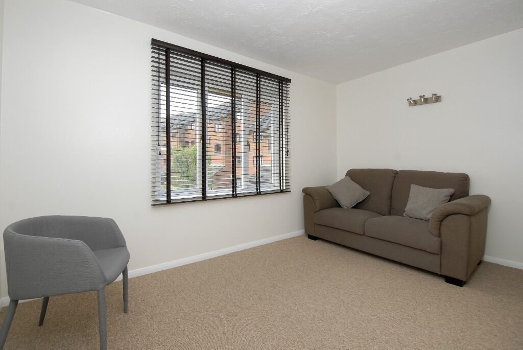 One Double Bedroom Flat, Church Lane, Tooting SW17, £1250 Per Month