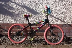 Girls BMX style Bike, suitable for 6 to 8 year old. Excellent condition