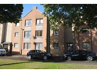 Refurbished, well presented, 2 bed flat in Montrose