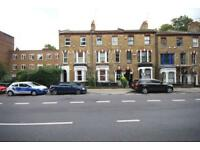 3 bedroom flat in Archway Road, Highgate