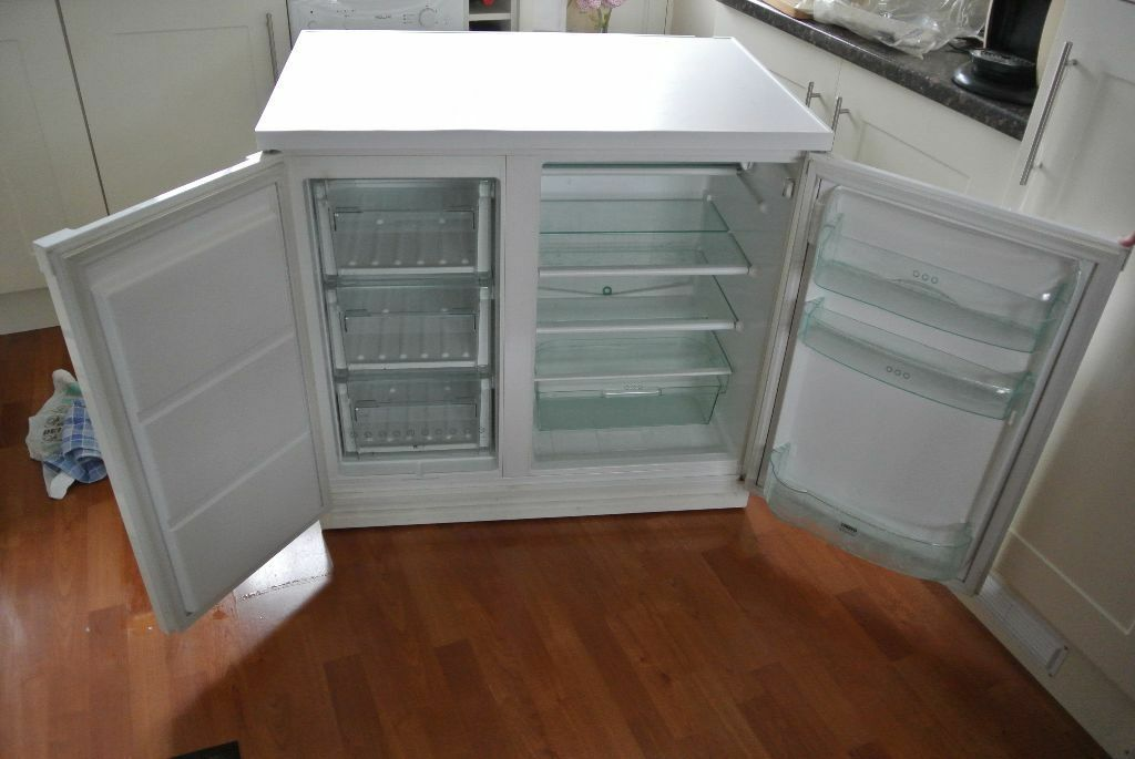Zanussi Under Counter Fridge Freezer Works Well 90cm Wide