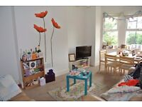 3 double bedroom split level apartment with private garden minutes from Clapham Common station