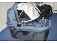 Uppababy Vista Light Blue Travel System + Carrycot stand