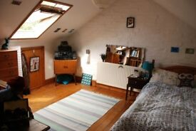 Stylish Attic Room in Central Guildford