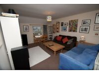 Very Spacious and Bright, Top Floor Gloucester Rd Flat