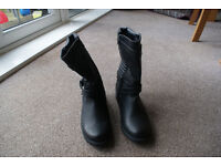 Women's size 5 black boots - never been worn!