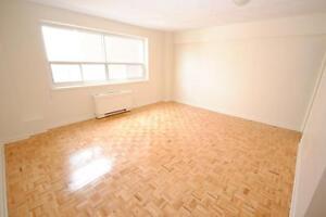 Centretown Bachelor Apartment - Close to Ottawa U!  JULY 1ST