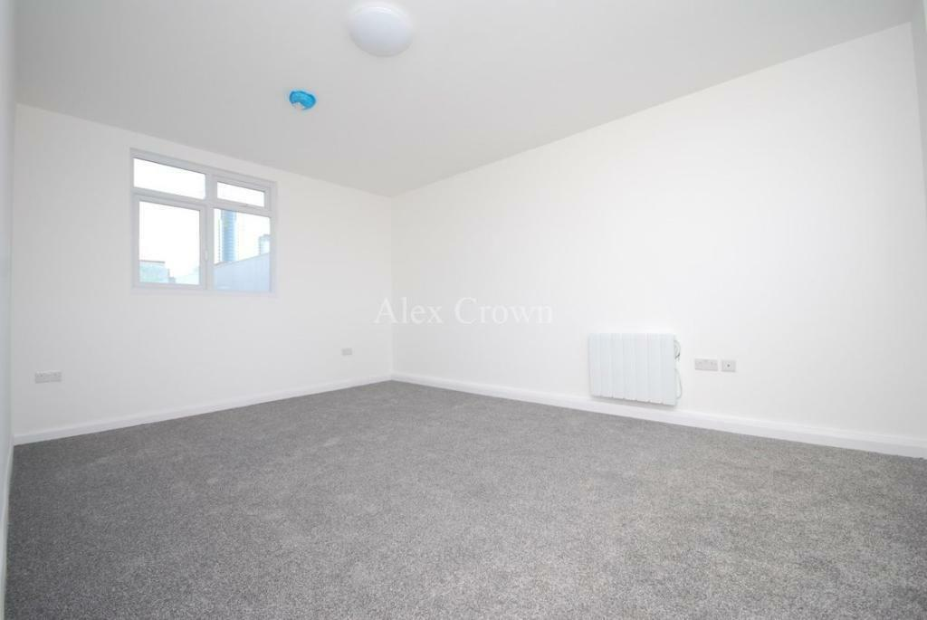1 bedroom flat in Middle Lane, Crouch End
