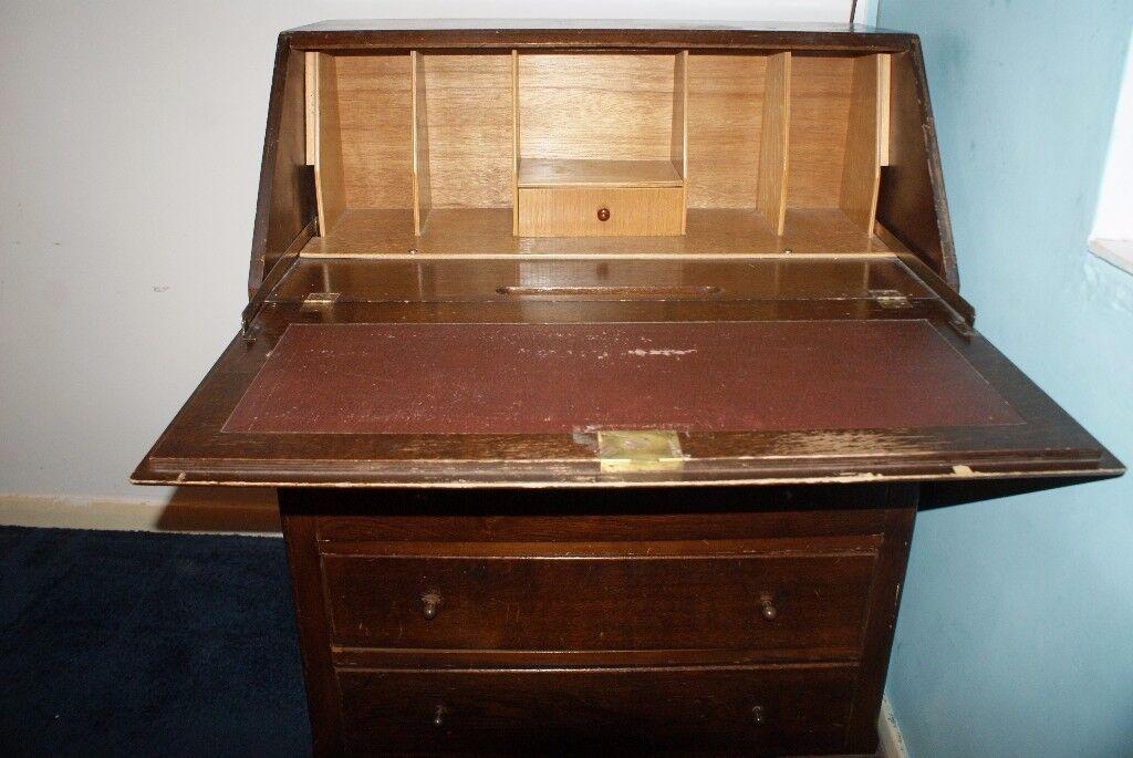 Bureau/Antique/Old Bureau