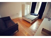 SHORT TERM. Sunny Covent Garden Soho one bedroom ALL BILLS INCLUDED