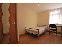 STUDENTS---Double room available now---Including bills