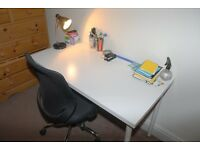 White Office Desk with Cylindrical Legs - Pick Up