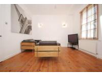1 bedroom flat in Penton Street, Angel