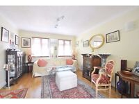 Totteridge Lane - Superb 3 bedroom maisonette offered on a furnished basis next to all amenities