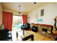 4 bedroom house in St Dunstans Avenue, Acton, W3