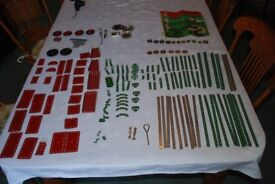Meccano - Vintage Meccano as seen in the pictures. It includes over 150 parts