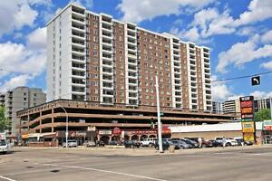 Bright 1 Bedroom with Balcony in the heart of Oliver!!
