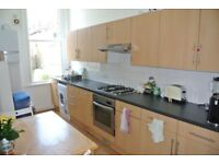 Large 2 Double bedroom 1st floor period apartment close to Brixton and Streatham Hill Stations