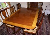 Antique Mahogany Dining table and 8 chairs.