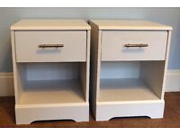 Pair of White Bedside Cabinets with on Drawer