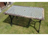 (#808) old garden pattern cast iron table (Pick up only, Dy4 area)