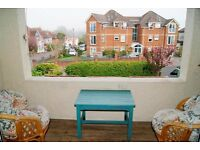 VERY LARGE 2 DOUBLE BEDROOM + OFFICE FIRST FLOOR FLAT IN ALUM CHINE WITH 2 PARKING SPACES