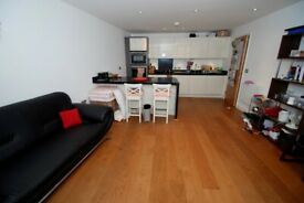 Modern 2 double bedroom apartment located on Ealing Broadway