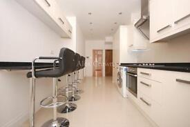 6 bedroom house in Avenue Road, Seven Sisters