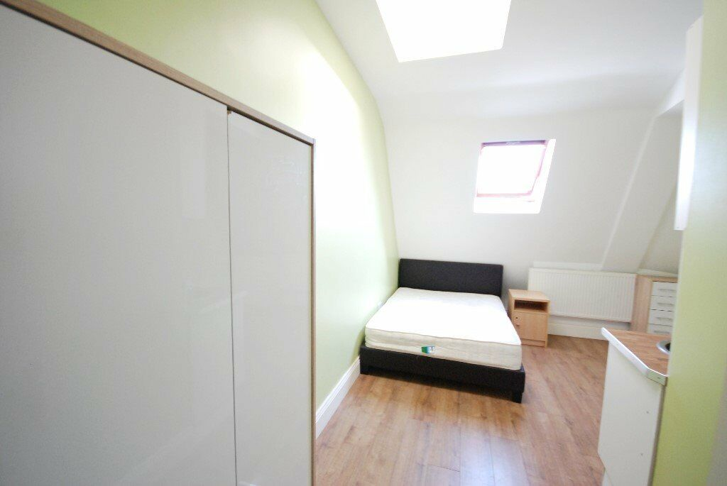 Bills included ! Super Cheap Studio Flat - Available to Rent Now in Wembley!!!!