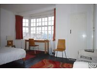 A Lovely Studio In Perfect Area For Decent Price!!!