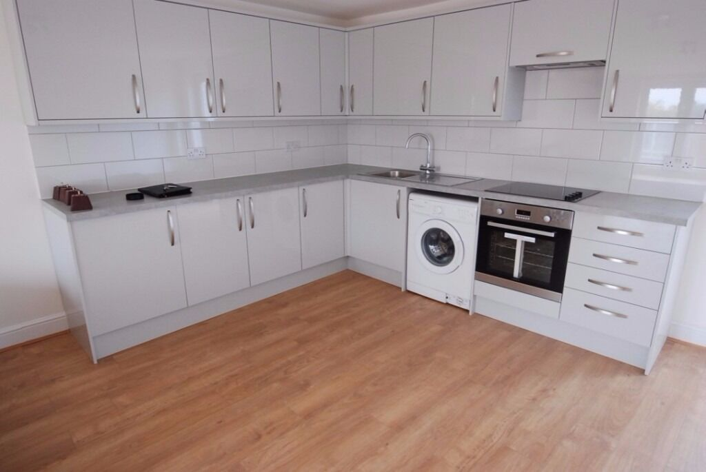 Modern 4 bedroom flat- Caledonian road N7