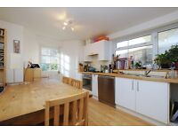 Norcott Road, 3 bed flat with garden, 2 bathrooms