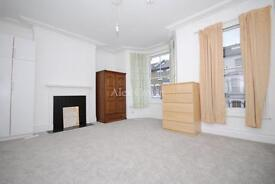4 bedroom house in Firs Lane, Winchmore Hill