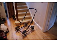 PRAM MAMAS AND PAPAS 19 YEARS OLD GOOD CONDITION. push chair top and carry cot