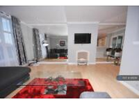 3 bedroom flat in New Century House, Aberdeen, AB11 (3 bed)