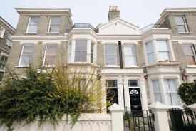 Manor Road, one bed flat with shared access to garden